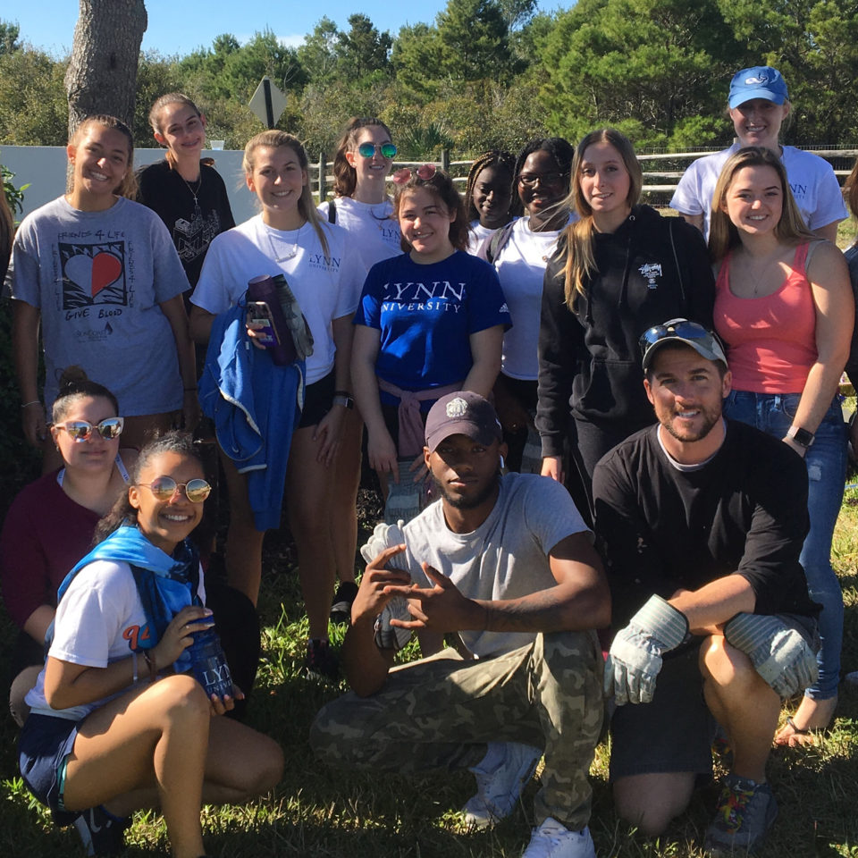 J-Term class cleans up campus.