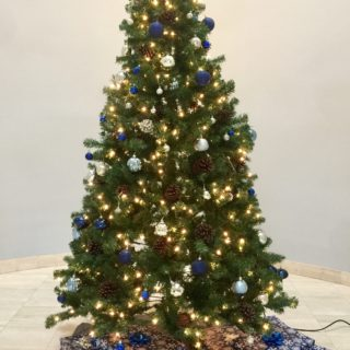 Christmas tree in Lynn Library